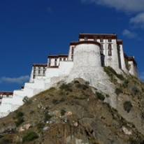"""Potalapalatset, Tibet • <a style=""""font-size:0.8em;"""" href=""""http://www.flickr.com/photos/71907000@N08/15840191980/"""" target=""""_blank"""">View on Flickr</a>"""