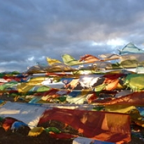 "Böneflaggor, Tibet • <a style=""font-size:0.8em;"" href=""http://www.flickr.com/photos/71907000@N08/15841376189/"" target=""_blank"">View on Flickr</a>"