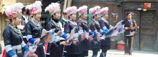 Sjunga och dansa i Zhaoxing, Guizhou