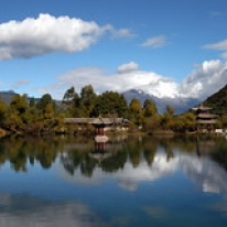 "Lijiang, Yunnan • <a style=""font-size:0.8em;"" href=""http://www.flickr.com/photos/71907000@N08/15766980499/"" target=""_blank"">View on Flickr</a>"
