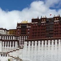 """Potalapalatset, Tibet • <a style=""""font-size:0.8em;"""" href=""""http://www.flickr.com/photos/71907000@N08/15840490010/"""" target=""""_blank"""">View on Flickr</a>"""
